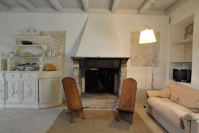 Villa Pianciani-annesso-salotto